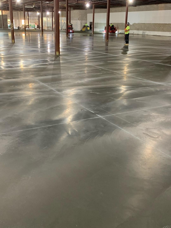 Smooth interior concrete slab floor